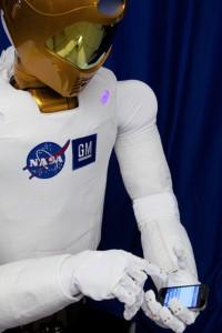 R2 Hello World! Tweet
