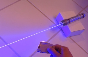 dnews-files-2013-05-homemade_lightsaber_660x433-jpg